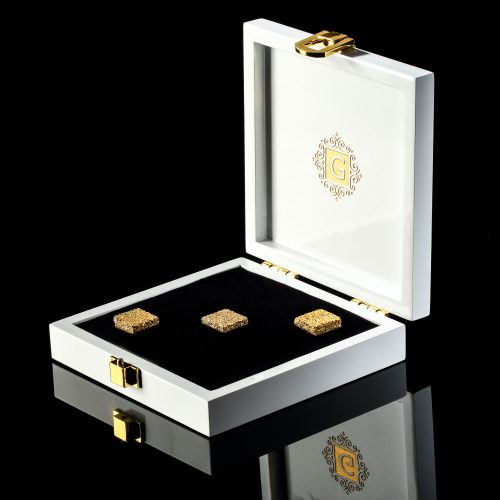 24 kt edible GOLD SUGAR cubes by NOBLINE of Switzerland / www.goldsugar.com
